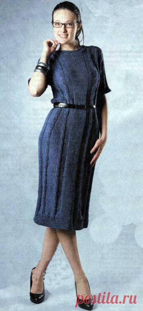 Строгое деловое платье синего цвета вязанное спицами | Блог elisheva.ru