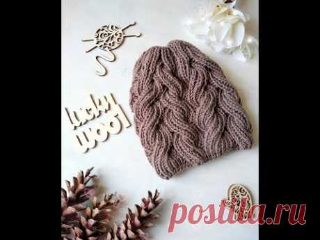 """Cap with a pattern \""""Plaits from a magnificent elastic band\"""""""