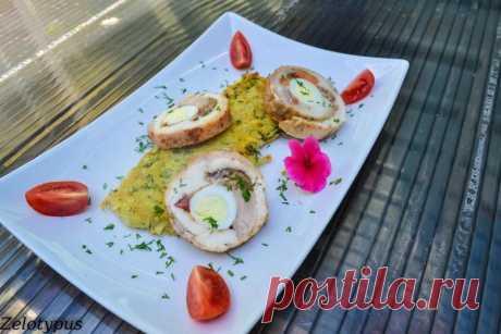 Куриный рулет с перепелиными яйцами, грибами, сыром / Холодные закуски / Кукорама — вкусные рецепты!