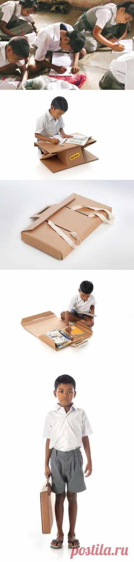 Портфель-парта для школьников из развивающихся стран.