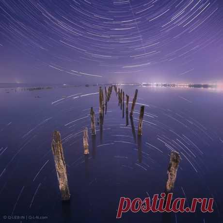 Star tracks in reflection of the Kuyalnitsky estuary. Odessa region, Ukraine. The author of a photo – Q-lieb-in: nat-geo.ru\/photo\/user\/52530\/ Good night.
