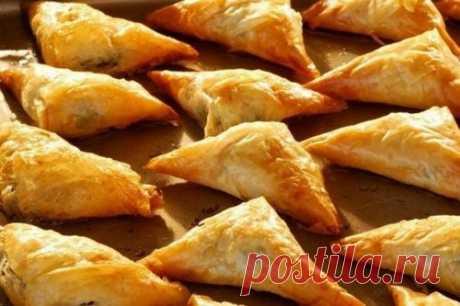 Пирожки на сметане с плавленым сыром