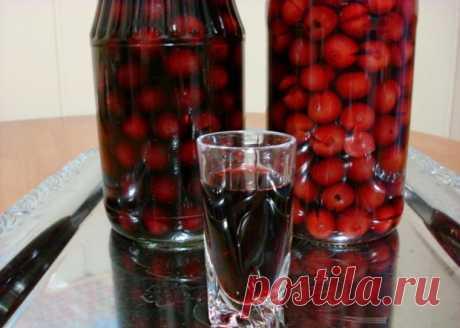 Дедовская наливка 4 на 4. Готовлю из любой ягоды и всегда очень вкусно!
