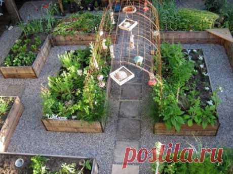 Красивые идеи для украшения огорода Покажем подборку классных идей для украшения огорода, которые пригодятся заядлым дачникам.