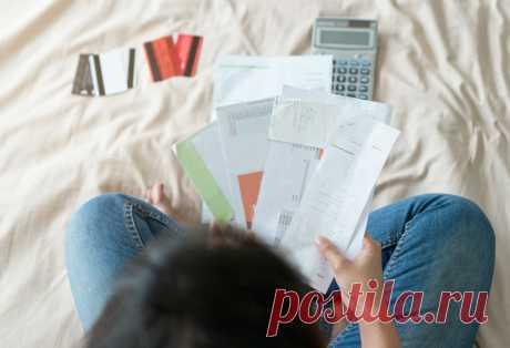 Последствия долгов по ЖКХ Оплачивать жилищные и коммунальные услуги (далее – ЖКУ) приходится практически каждой российской семье. Размер платы за них регулярно ...