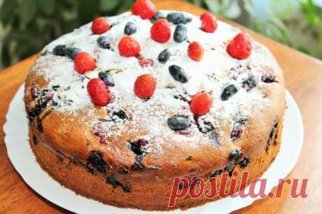 Сметанный пирог с ягодами - Простые рецепты Овкусе.ру