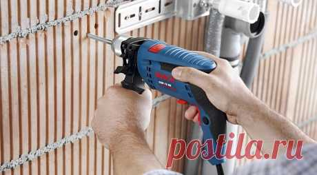 Как сверлить стену, чтобы не попасть в проводку? Сверлите стену и боитесь попасть в проводку? Узнайте, как обычно проходит она в квартире, чтобы любой мелкий ремонт не закончился катастрофой.