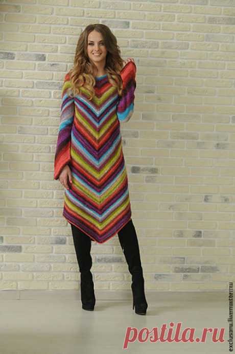 To buy the Author's dress the '' MISSONI '' - combined in a strip, an elegant dress, a warm dress, spring mood