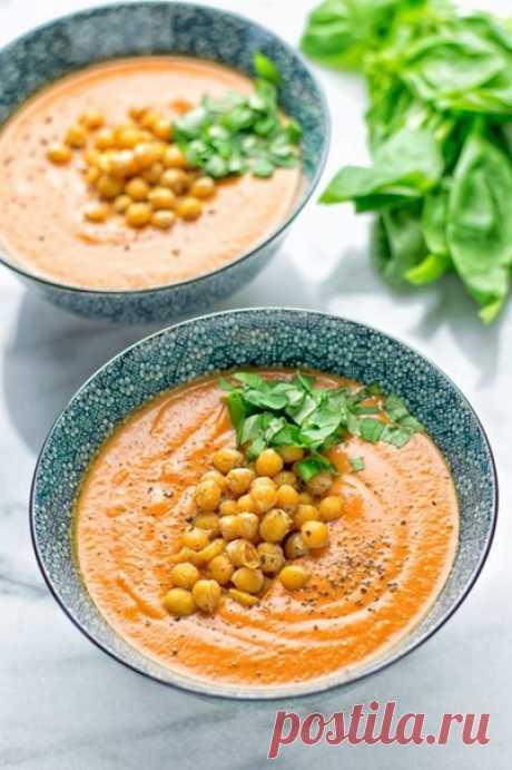 Томатный суп с базиликом и жареным нутом  #веганство@just_veg   Ингредиенты:   • 2 450 гр. Банки нарзанных томатов  • ½ чашки кокосового молока  • 1 столовая ложка чесночного порошка  • 1/3 чашки базилика, мелко нарезать  • Соль и перец по вкусу  • 1/3 чашки кешью, по желанию   Для нута:  • 450 гр. Банка нута, отложить 3 столовые ложки аквафабы  • ¼ чашки пищевых дрожжей  • 2 чайные ложки чесночного порошка  • Соль и перец по вкусу   Приготовление:   1. Смешать аквафабу с ...