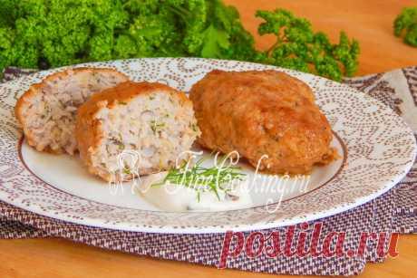 Котлеты из фарша с картошкой Среди рецептов вторых блюд из мяса особое место занимают всевозможные котлеты и биточки.