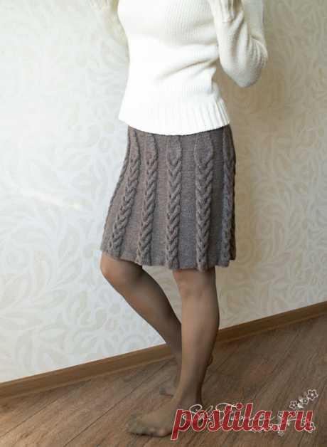 Вязаная юбка с косами и снуд