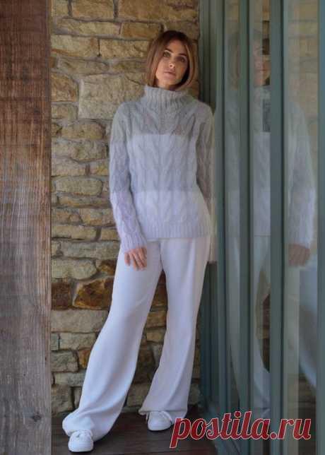 Женский свитер из мохера спицами с градиентными переходами полос с эффектом омбре, с описанием вязания для размеров XS (S, M, L, XL, XXL).
