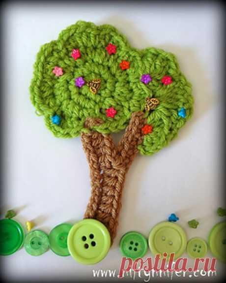 Ravelry: Stunning Tree Motif pattern by Jennifer Gregory