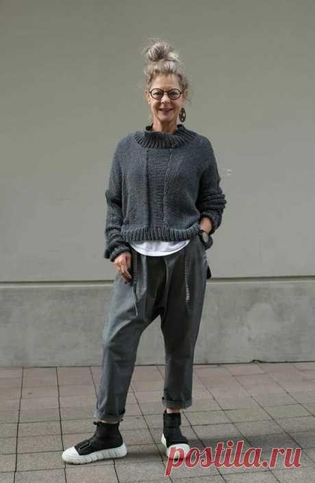 Стильные бабушки в вязаных вещах – возраст им нипочем, они умеют одеваться | Эликсир молодости | Яндекс Дзен