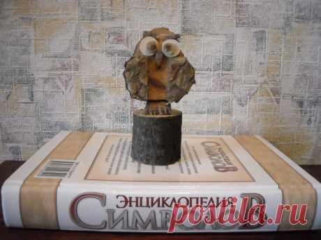 Фигурка из дерева Сова Фигурка сделана из дуба, может использоваться как предмет интерьера и коллекционирования. Размер по высоте 16 см. Цена 150 рублей.