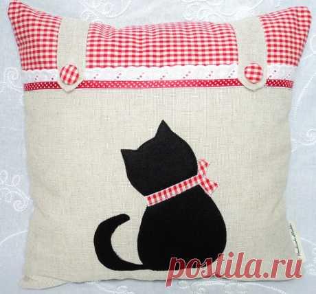 "Pillow decorative hand made ""Котенок"""