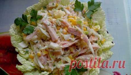 Салат с копченой куриной грудкой: простые и вкусные рецепты Узнайте, как разнообразить салат с копченой куриной грудкой простыми продуктами в условиях нехватки времени. Ознакомьтесь с вкусными рецептами!