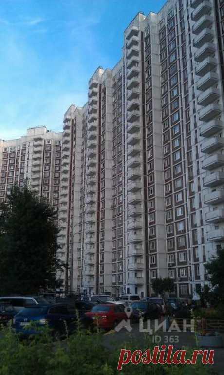 Сдаётся 1-комнатная квартира за 32 000 руб./мес., 40 м.кв., этаж 12/22 Чистая просторная квартира,окна ПВХ,Есть все необходимое,балкон на кухне.раздельный санузел,чистый подьезд. Предложение для славян!