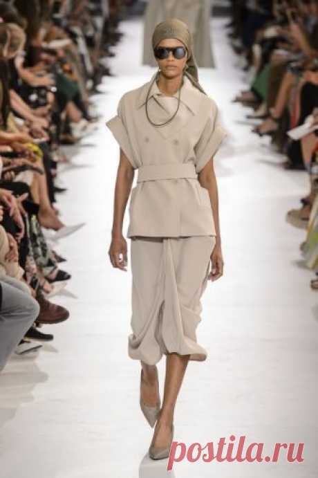 31 Spring 2019 Fashion Trends - Top Spring Runway Trends for Women