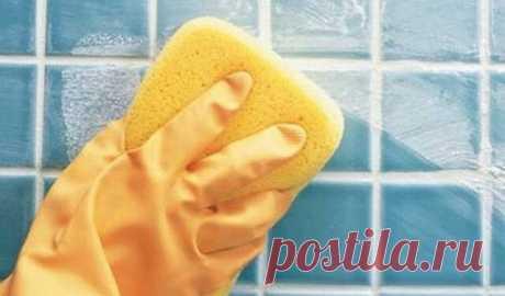 Как избавиться от плесени и грязных швов между плиткой?🦠  Плесень - опасная гадость, которая появляется в ванной, независимо от того, насколько часто и тщательно мы убираем. Если перепробовали много способов, но ни чего не помогло, значит вы еще не попробовали этот рецепт.  Ингредиенты :  горячая вода - 1 стакан  сода - 2,5 ст. ложки  стиральный порошок - 1 ст. ложка.  Добавьте соду в горячую воду, размешайте и всыпьте порошок. После этого возьмите старую зубную щетку или...