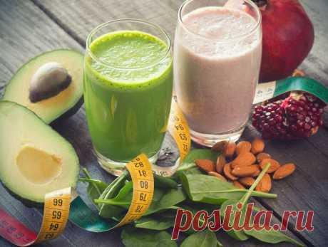 """Жиросжигающие коктейли — 5 рецептов   Журнал """"MY HOME LIFE"""" Жиросжигающие коктейли - отличное средство для борьбы с лишним весом. Они ускоряют метаболизм, притупляют чувство голода и снабжают наш организм витаминами и минералами. Лучшая пятерка рецептов этих верных помощников диеты."""