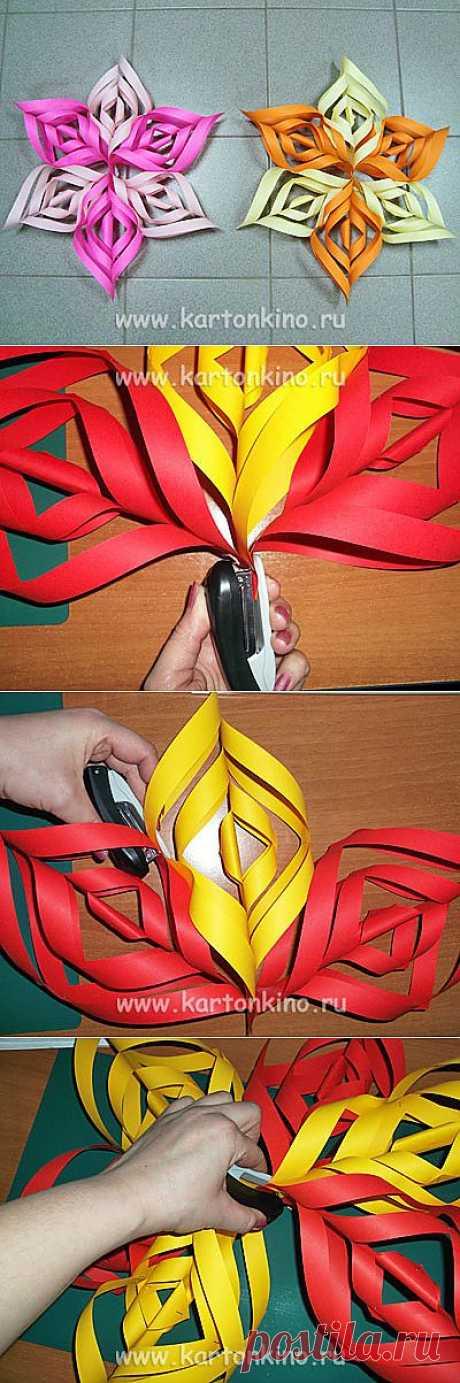 Новогодние декорации. Как сделать объемную снежинку из бумаги | КАРТОНКИНО.ru