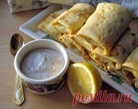 Блинчики с картофелем под соусом из сельди | Русская кухня