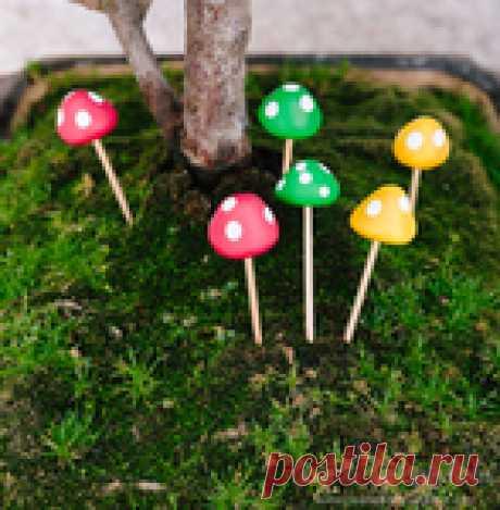 Миниатюрные грибочки из полимерной глины