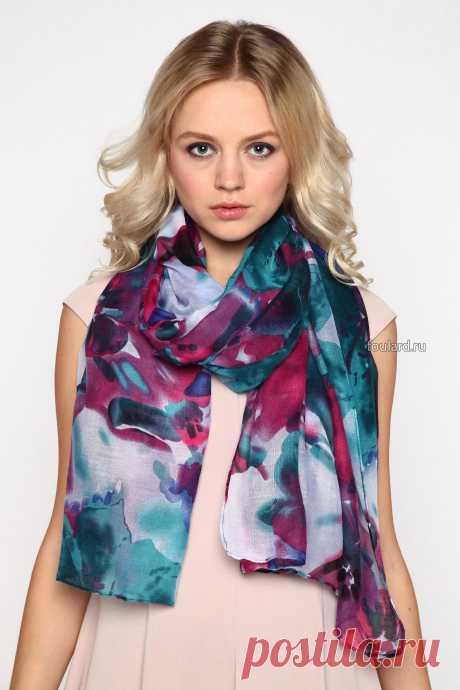 Роскошный цветочный палантин от Sophie Ramage из итальянского шелка - идеальное сочетание модных трендов и превосходного качества. Для истинных леди.