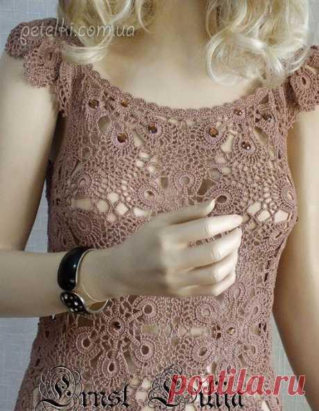 El vestido hermoso por los motivos chinés. Los esquemas