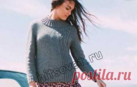 Стильная модель модного вязаного свитера для женщин со схемами и пошаговым бесплатным описанием вязания.