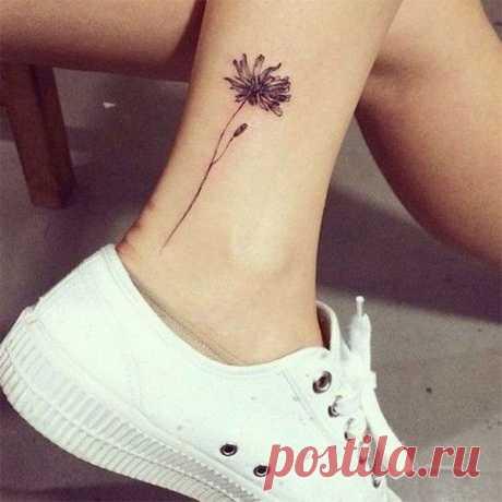 Фото (эскизы) красивых татуировок для девушек: маленькие, надписи, на спине, на руке, на запястье, на ноге (39 фото) ⭐ Забавник