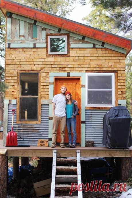 House Tour: A DIY Self-Sustainable Micro-Cabin in Cali | Apartment Therapy