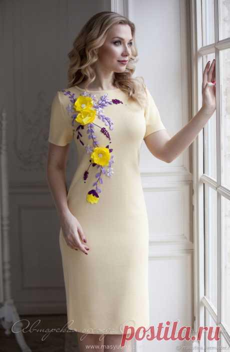 """Платье """"Цветочная фантазия"""" Эффектное вязаное платье с объемной 3D вышивкой ручной работы! Возможен пошив в различных цветах вискозы или полушерсти, цветовую гамму вышивки так же можно сделат"""