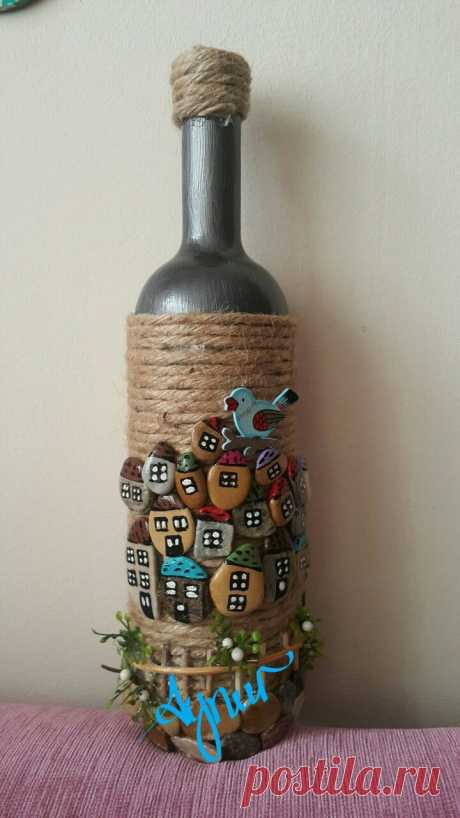 Rock Art on a bottle - craftIdea.org This post was discovered by Ay