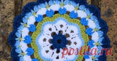 Maybelle Flower Mandala Pattern   First Ta-dah moment : Maybelle Flower Mandala Pattern        I am beyond excited ..... I am posting a pattern of my own creation! What a f...