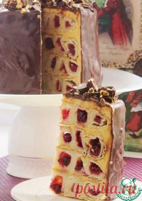 """Торт """"Дружный дом"""" в мультиварке - Ваши любимые рецепты - медиаплатформа МирТесен Две недели назад я придумала этот торт и все это время обдумывала разные варианты крема для него, сочетание продуктов, вкусов. Сегодня мой торт готов, и я очень довольна результатом. Спешу поделиться! Продукты для торта: Тесто слоеное бездрожжевое — 2 упак. Вишня (Замороженная) — 300 г Сахар (Для..."""