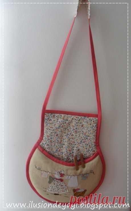 Лоскутная аппликация на сумочке для прищепок
