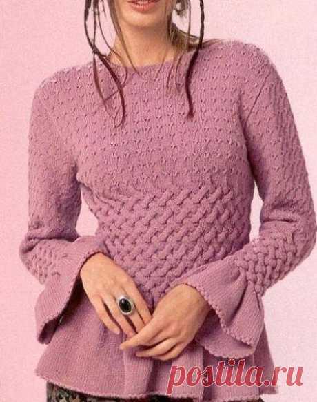 Интересный пуловер спицами.      ©