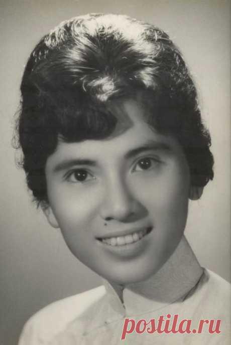 Очень интересные снимки из далекого прошлого: Мать Тереза в молодости , Рейган с Горбачевым на отдыхе и др