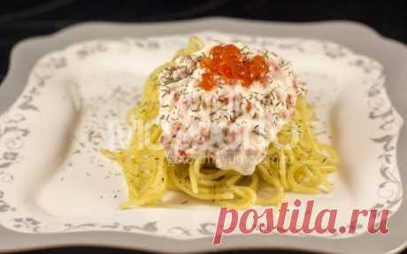 Los espagueti con ikornym por la salsa