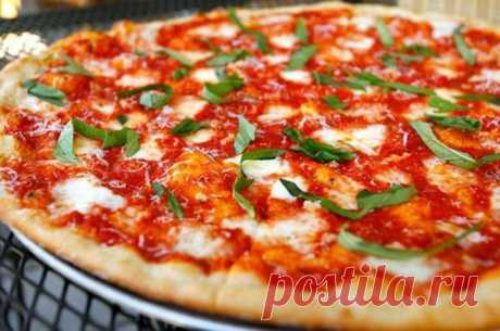 Simple and tasty pizzas: the list of names, recipes with a photo, preparation secrets