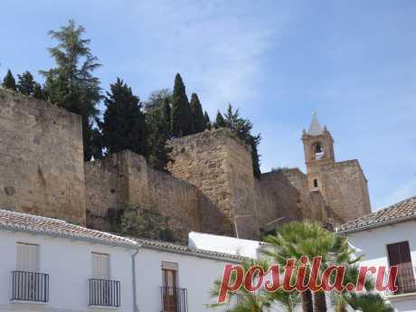 Экскурсия в Антекере – город храмов и монастырей, Природный парк Эль Торкаль | Туризм в Испании Обзорная экскурсия по достопримечательностям Антекеры с гидом и в Природный каменный парк Эль Торкаль. В Антекере находится множество храмов и монастырей.