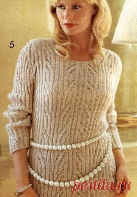 Нежный пуловер в резинку цвета топленого молока станет Вашей эксклюзивной моделью. Спицы