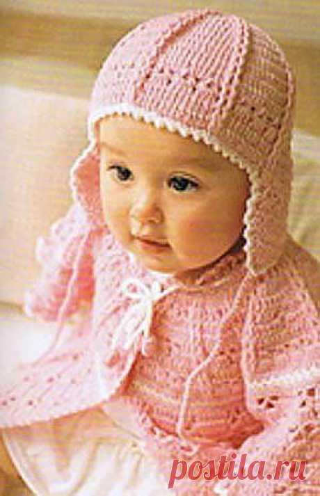 Розовый чепчик для девочки до года