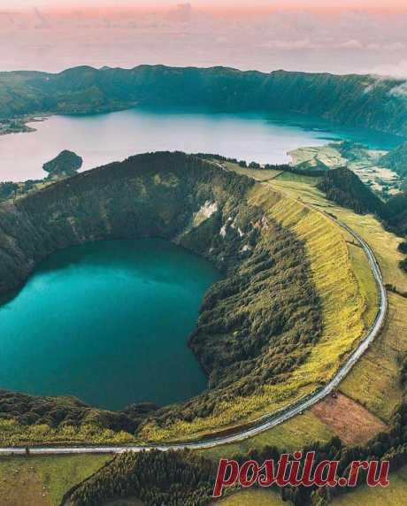 Озеро в потухшем вулкане, Азорские острова 🌴