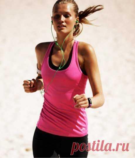 Как бегать, чтобы похудеть? Утренний, дневной и вечерний бег оказывают разный эффект. Бег в вечернее время приводит к максимальному похудательному эффекту, сжиганию лишних жиров.