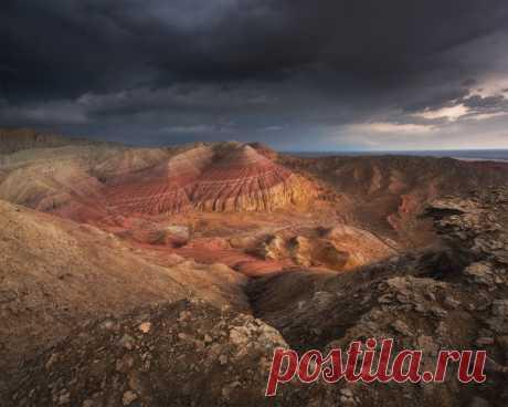 El parque nacional el Altín-emel, Kazajistán. El autor de la foto: Vadim Gvon. En la descripción de la foto Vadim cuenta la historia de esta forografía. Ella sobre el suerte y nos son próximos, cómo los sueños son: