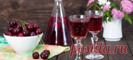 Fruit liqueurs in house conditions: from cherry, on vodka, from grapes