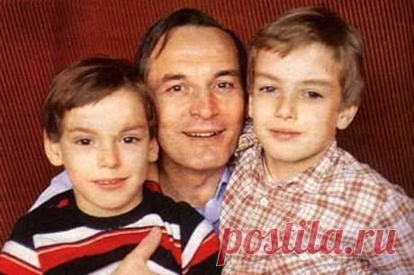 Василий Лановой с сыновьями Сережей и Сашей